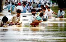 Hujan Lebat di Pakistan, 313 Tewas - JPNN.com