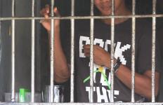 Sangar! Hendak Ditangkap Berani Lawan Polisi, Oh...Ternyata Ramah - JPNN.com