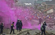 50 Orang Tewas dalam Demo Tuntut Presiden Mundur - JPNN.com