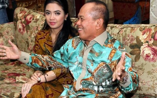 Yuk Simak Curhatan Istri Cantik Syarief Hasan Ini - JPNN.com