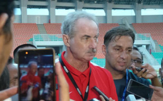 Alfred Riedl Jadi Pelatih Arema FC? - JPNN.com