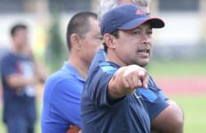 Mau Tahu Siapa Pelatih Arema FC Musim Depan? Klik di Sini - JPNN.com