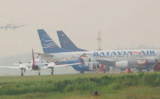 Kabut Asap, Pesawat Gagal Mendarat di Bandara Pangsuma - JPNN.com