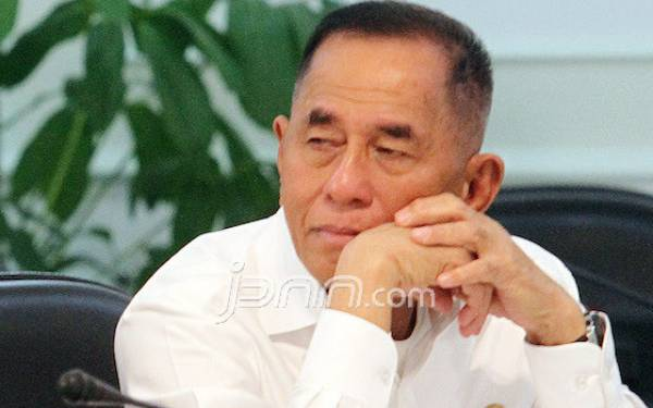 Pak Menhan Yakini Malaysia Tak Sengaja soal Merah Putih Terbalik - JPNN.com