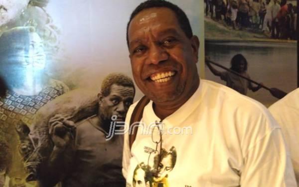 Edo Kondologit: Orang Papua Punya Adat Bakar Batu - JPNN.com