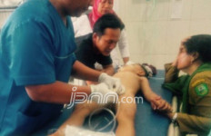 OMG, Anak Jatuh dari Lantai 2, Ayah Menangis Histeris - JPNN.com