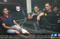Residivis Pegangi Kakinya yang Ditembak Polisi, Tatapannya Hmmm... - JPNN.com