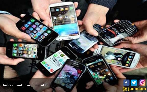 Ayah Ajarkan Anak Curi Handphone di Toko - JPNN.com