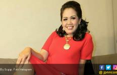 Anak Wisuda, Mpok Ely Sedih Yoga tak Didampingi Ayahnya - JPNN.com