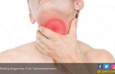 7 Kiat Mengatasi Radang Tenggorokan Tanpa Obat - JPNN.com