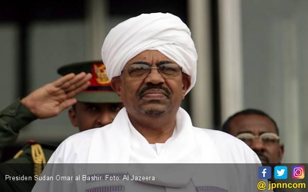 Terima Duit Haram dari Saudi, Eks Presiden Sudan Resmi Didakwa Korupsi - JPNN.com