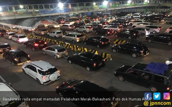 H-1 Natal, Sebanyak 247.337 Penumpang Ferry Tinggalkan Jawa - JPNN.com