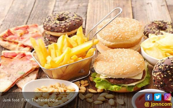 Kecanduan Junk Food Bisa Picu Alergi Makanan - JPNN.com