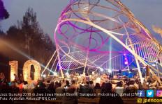 Berjazzawarsa Bersama Jemaah Aljazziah di Jazz Gunung 2018 - JPNN.com