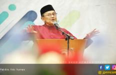 Megawati Soekarnoputri Jenguk Habibie di RSPAD - JPNN.com