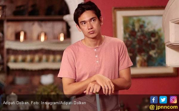 Setelah Gading Marten, Della Dartyan Kini Dipasangkan dengan Adipati Dolken - JPNN.com