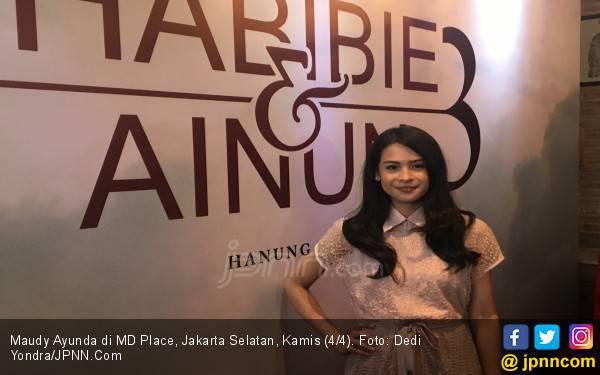 Maudy Ayunda Sedih BJ Habibie Belum Sempat Nonton Film Ainun - JPNN.com