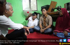 Ganjar Pranowo Jenguk Korban Pengeroyokan Pendukung Prabowo - JPNN.com