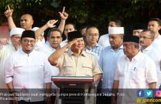 Andi Arief Sebut Klaim Prabowo Menang 62 Persen Lantaran Bisikan Setan Gundul - JPNN.com