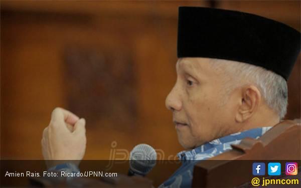 Menurut Amien Rais, Presiden Jokowi seperti Ribut Sendiri - JPNN.com