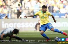Gaya Banget! Roberto Firmino Cetak Gol Tanpa Melihat dalam Laga Peru Vs Brasil - JPNN.com