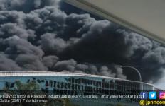 PT Dynaplast Jababeka Kebakaran - JPNN.com