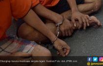 Dua Pelajar SMP di Bekasi Ditangkap Membawa Celurit - JPNN.com