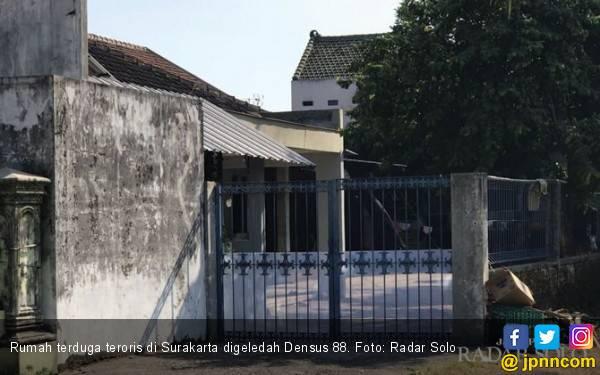 Densus 88 Tangkap Terduga Teroris di Surakarta - JPNN.com
