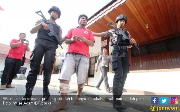 Pak Bos Tertangkap, Betisnya Berlubang - JPNN.com