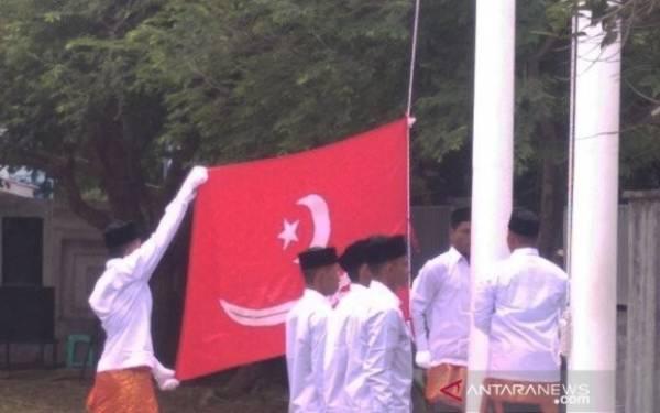 Bendera Alam Pedang Berkibar di Istana Darul Ihsan - JPNN.com