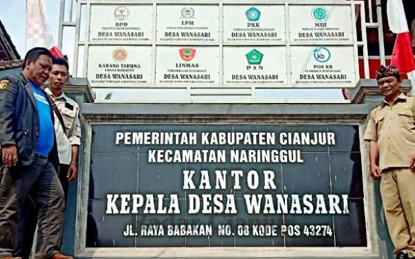 Perjuangan Masyarakat Desa Wanasari Cianjur Mencari Sinyal Telekomunikasi dan Internet - JPNN.com
