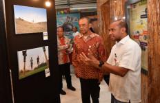Pesan Sesmenpora Saat Membuka Pameran Foto Road to Haornas 2019 - JPNN.com