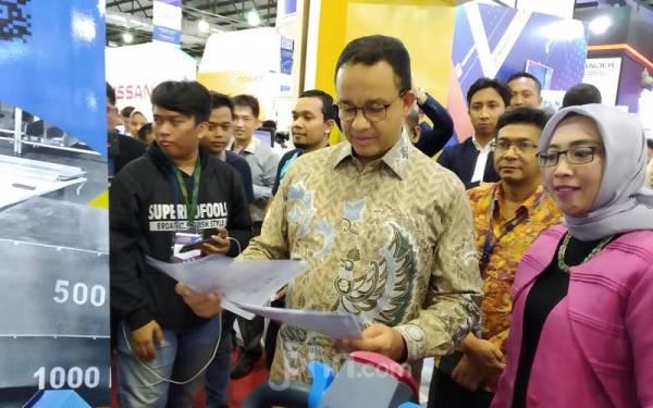 Gubernur DKI Anies Baswedan Pengin Harga Mobil Listrik Lebih Murah - JPNN.com