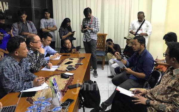 Mahasiswa Papua: Asrama Kami Dilempar Ular Dua Karung! - JPNN.com