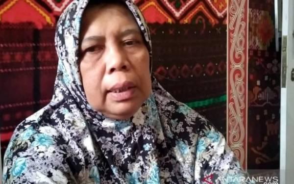Perempuan Penjual Ayam Potong Kehilangan Uang Rp 500 Juta - JPNN.com