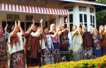 Pesona 20 Perempuan Cantik di Rumah Pengasingan Bung Karno - JPNN.com
