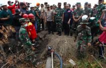 Kepala BNPB, Panglima TNI dan Kapolri Sambangi Karhutla di Riau - JPNN.com