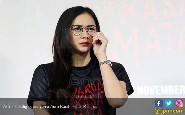 Soal Pabrik Susu, Aura Kasih Ajukan Syarat ke Yan Widjaya - JPNN.com