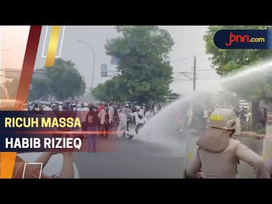 Habib Rizieq Divonis 4 tahun, Pendukungan Bentrok dengan Polisi - JPNN.com