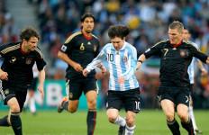 Gagal Bersinar, Messi Tetap Dibela - JPNN.com