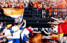 Dikritik Media, Oranje Disambut Meriah - JPNN.com