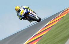 Pedrosa Tercepat, Rossi 'Comeback' Kompetitif - JPNN.com