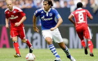 Debut Sukses Raul di Schalke - JPNN.com