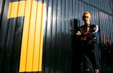 Vettel Songsong Kontrak Fantastis - JPNN.com