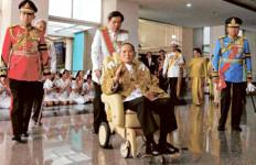Raja Paksa Tinggalkan RS demi Rakyat - JPNN.com