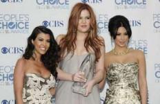 Trio Kardashian Tersandung Kartu Kredit - JPNN.com