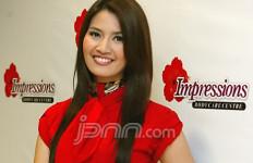 Asty Ananta Minum Jamu Resep Nenek - JPNN.com