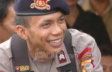 Berhenti Jadi Polisi, Briptu Norman Dikontrak Rp5 M - JPNN.com