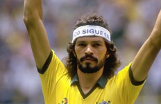 Socrates, Legenda Sepak Bola Brazil Tutup Usia - JPNN.com