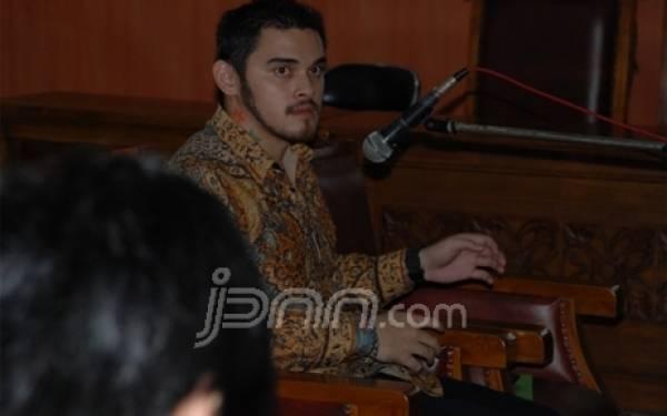 Andhika Palsukan Tanda Tangan Lurah Senayan - JPNN.com